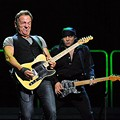Review + Setlist + Photos: Bruce Springsteen & the E Street Band at Scottrade Center, Sunday, October 25