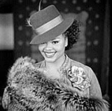 See Jill Scott's Sunday best at the Pageant.