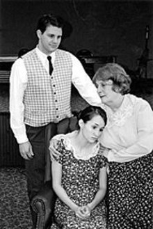 A fragile beauty: T. Joseph Reinert,  Magan Wiles and - Diane Peterson in  The Glass Menagerie