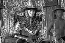 Suphakit Tangthatswasd as King Hantawaddy in The Legend of Suriyothai