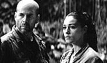 Bruce Willis and Monica Bellucci in Tears of the Sun