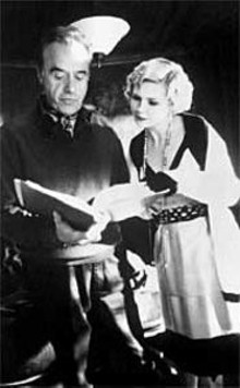 RICHARD  FOREMAN - Nine lives, or close to it: Peter Bogdanovich directs Kirsten Dunst on the set of The Cat's Meow.