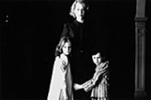 Nicole Kidman with Alakina Mann and James Bentley in The Others