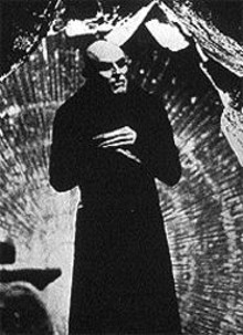 Willem Dafoe vamps it up as Max Schreck in Shadow of the Vampire.