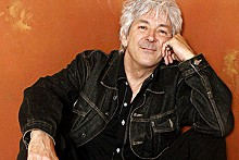HA LAM - Ian McLagan and the Bump Band: Holding the keys to great music.