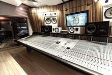 650eef84_studio_a.jpg
