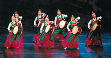 a532dc2a_korean_dance_troupe.png