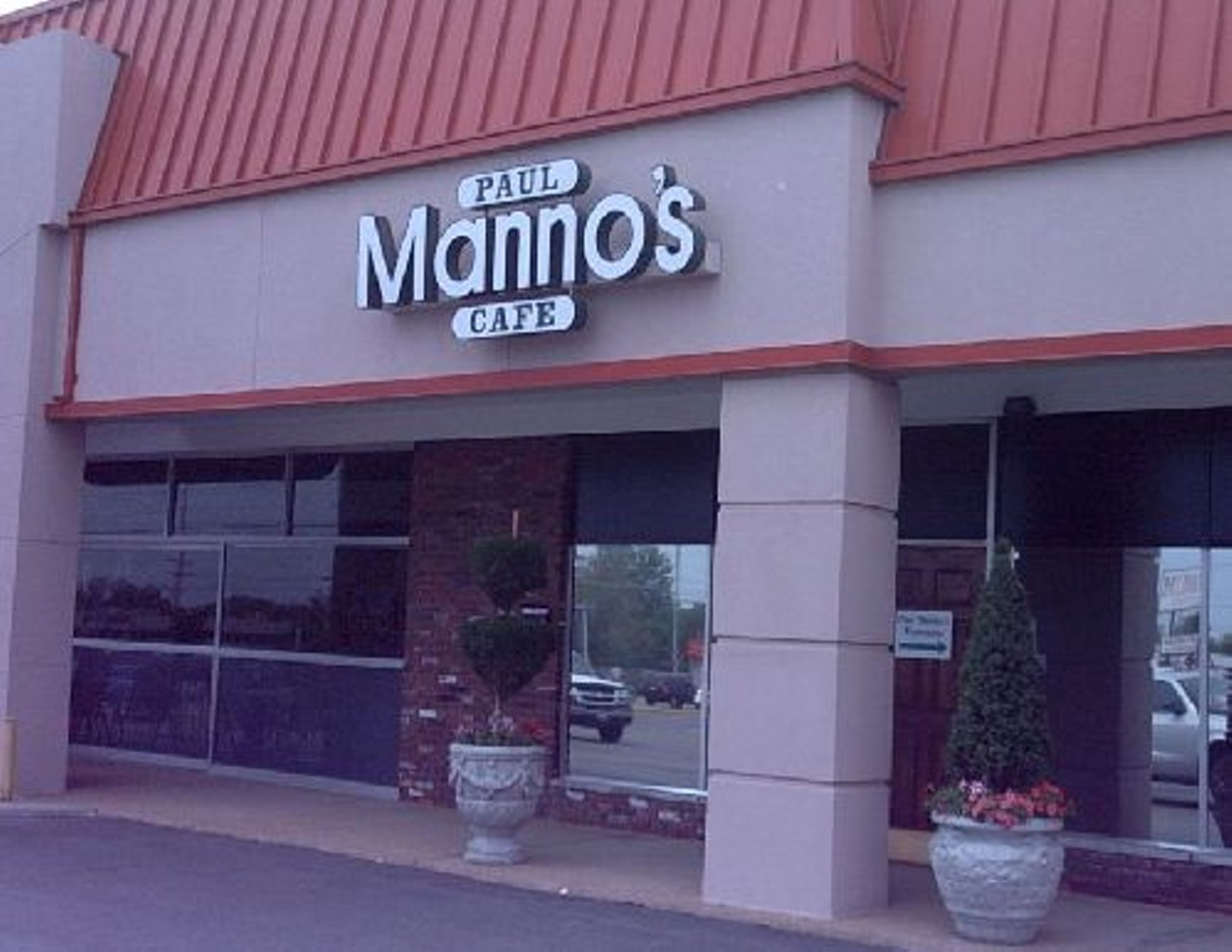 Paul Manno S Restaurant Hours