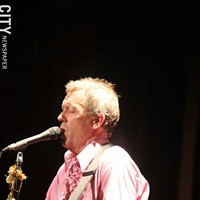 Hugh Laurie  Willie Clark