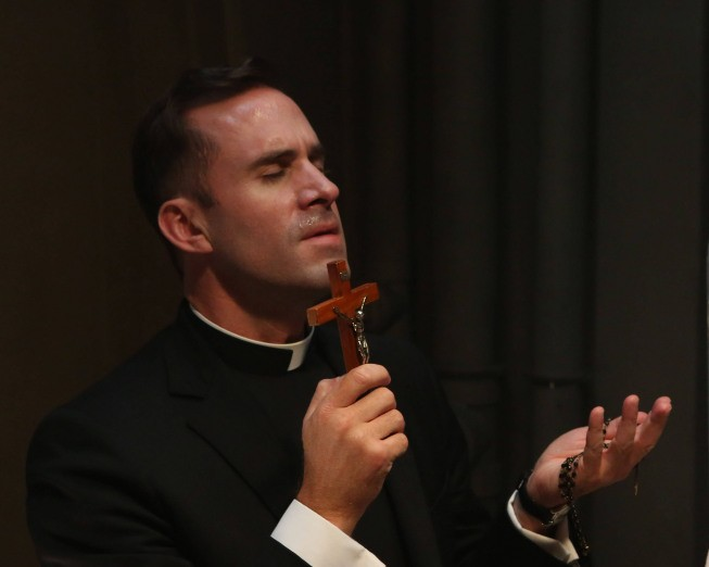 "Joseph Fiennes as Monsignor Timothy Howard in Season Two, Episode 2 of FX's ""American Horror Story: Asylum."" - MICHAEL YARISH/FX"