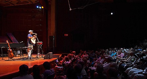 Raul Midon played Kilbourn Hall to a packed audience Saturday afternoon. PHOTO BY MATT DETURCK
