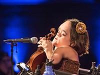 Gaelynn Lea hears harmonies where most don't