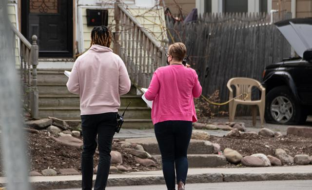 Social workers Dré Johnson and Renee Brean head to the scene of a call for a man in crisis.