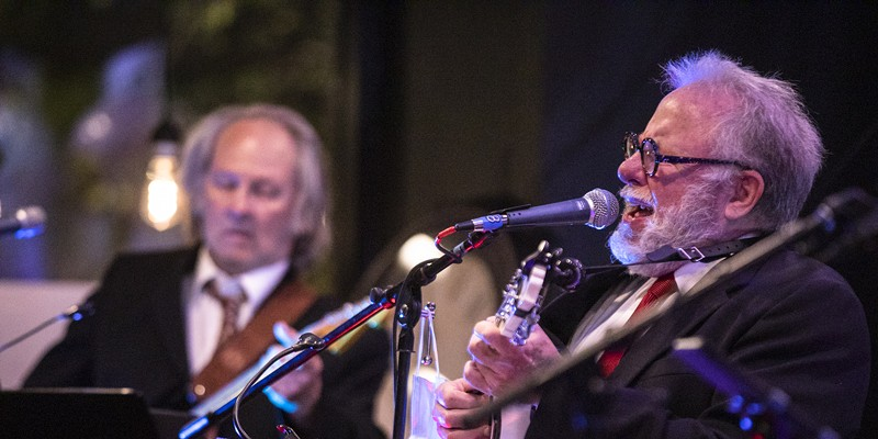 """Steve Piper and Tom Whitmore of Watkins & the Rapiers play a song as part of Rochester fringe Festival's """"Singing Serling"""" on Sept. 22, 2021."""