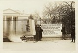 watchfires-outside-wh-january-1919-300x203.jpg