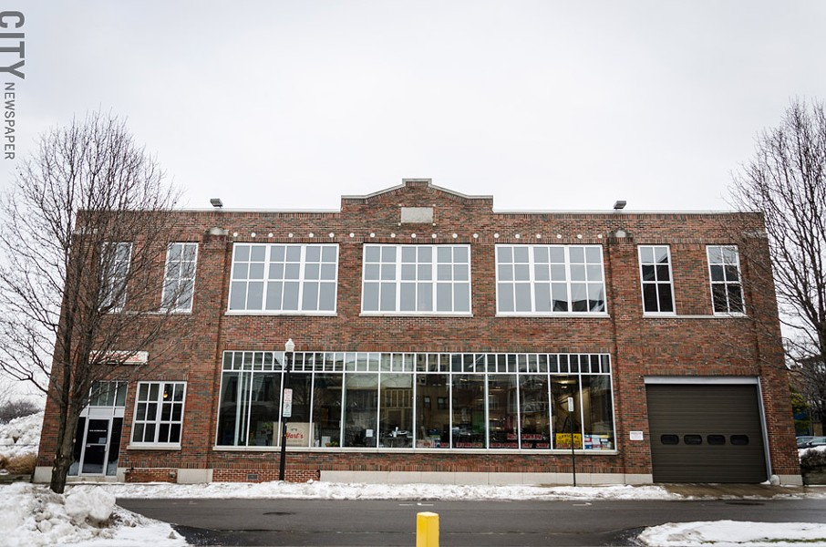 Hart's Local Grocers will open in the spring at 10 Winthrop Street, formerly the location of Craig Autometrics. - FILE PHOTO
