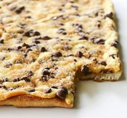 chocolate-chip-cookie-pizza11jpg