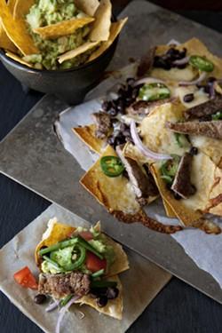carne-asada-super-bowl-nachos-1jpg