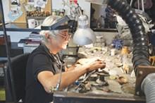 Alejandro Sifuentes at work in his Equinox Gallery