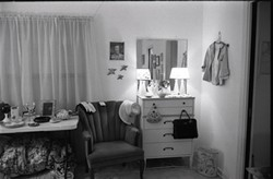 1_room1jpg