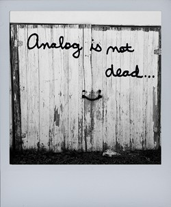 analog-is-not-dead2_sx70jpg