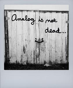 analog-is-not-dead2_sx70jpg