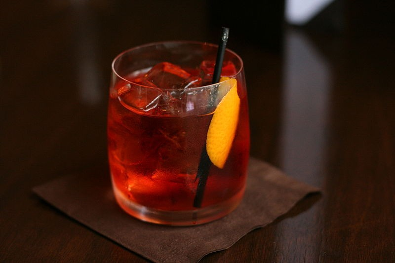 800px-negroni_served_in_vancouver_bcjpg