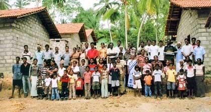 feat-srilanka-village_420jpg