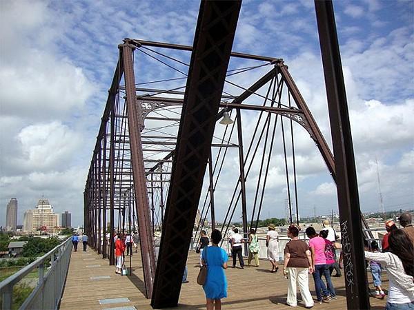 Hays Street Bridge - CREATIVE COMMINS