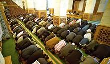 pic-prayer-in-masjid.jpg