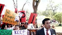 Librotraficantes storm the Alamo