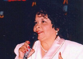 No, Selena's Killer, Yolanda Saldivar, is Not Being Released From Prison