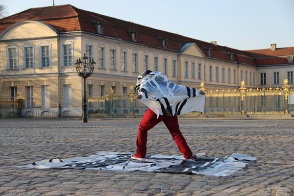 Raul Gonzalez Self Portrait - Express Yourself (Berlin), 2014 - IMAGE COURTESY OF CAM