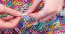 screens-paperclips_220jpg