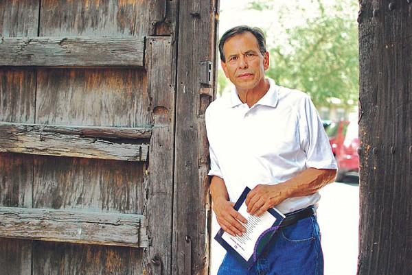 Survivor and pioneer — Efraín Gutiérrez, the one who opened the door. - SARAH MASPERO
