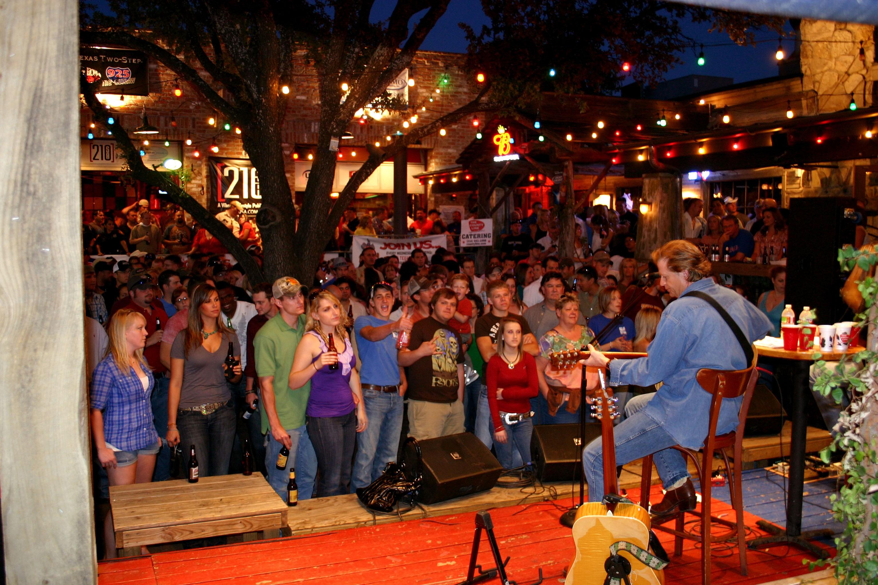 Thirsty Horse Saloon San Antonio Halloween 2020 The County Line Free Concert Series | SA Sound