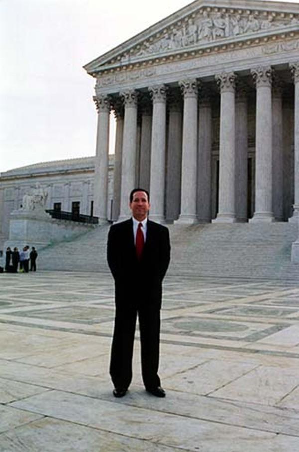 news-lawyer3_330jpg