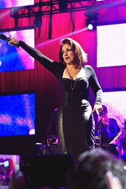 gloria-estefan_joe-turnerjpg