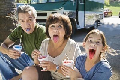 article-new_ehow_images_a07_pc_6c_make-snowcones-syrupjpg