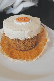 Trinicakes' Apple Cinnamon cupcake