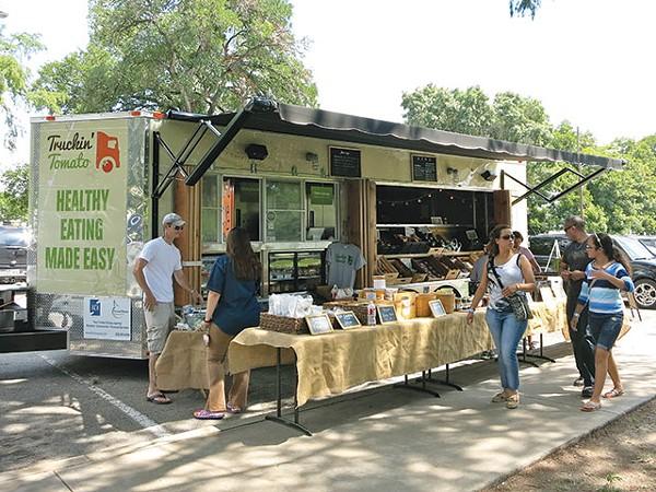 Truckin' Tomato tries to make healthy eating easier with its mobile market - MIRIAM SITZ