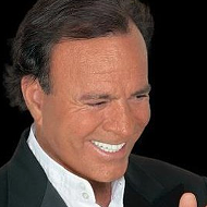 Legendary Singer Julio Iglesias Bringing Timeless Classics to San Antonio Next Year