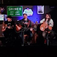 Texas Americana Artist Wade Bowen Hosts Quaranstream Concert Series on Friday Nights