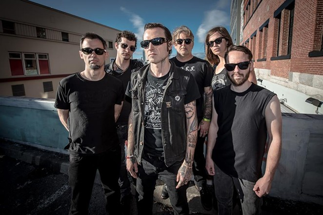 FACEBOOK / LEFTOVER CRACK