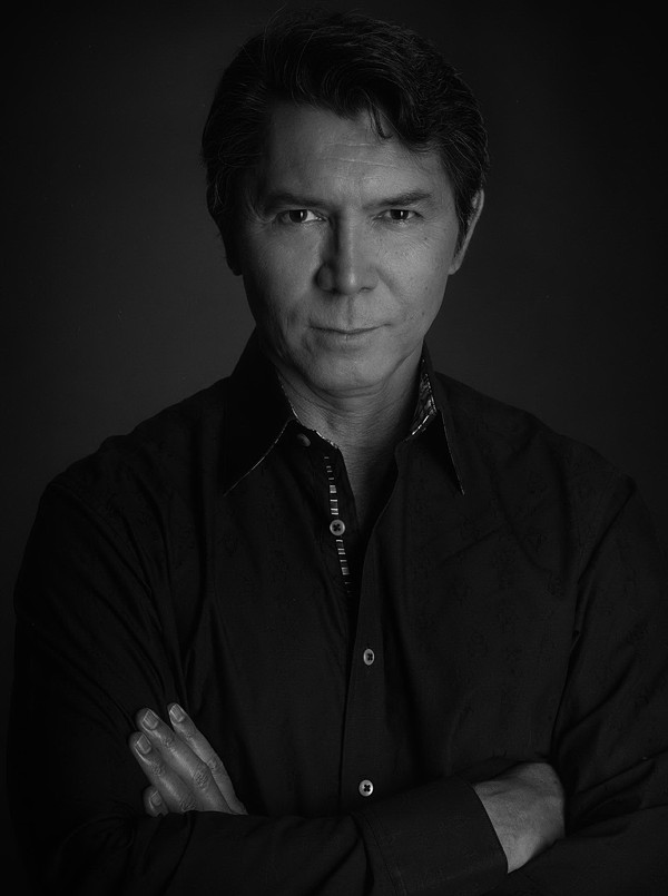 Lou Diamond Phillips - MANFRED BAUMANN