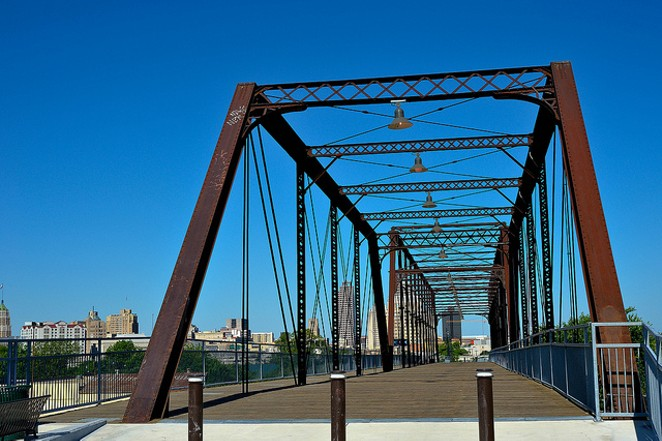 Hays Street Bridge - NIKONFDSLR/FLICKR CREATIVE COMMONS