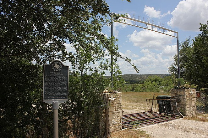 A historical marker stands along the road in Kimble County. - WIKIMEDA COMMONS / NICOLAS HENDERSON