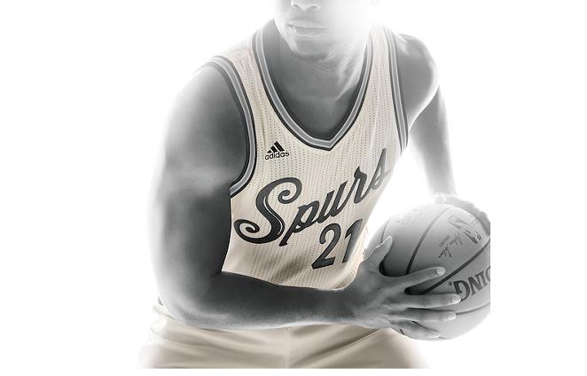 The Spurs will rock these slick uniforms on Christmas. - VIA NBA.COM