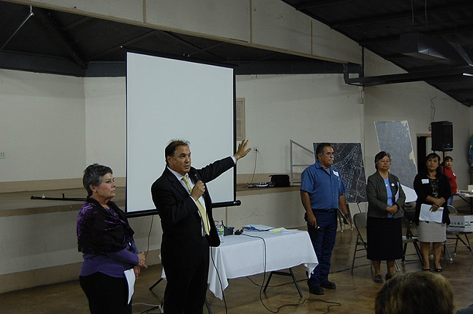 Bexar County Commissioner Chico Rodriguez speaks at a Highland Oaks community meeting. - MICHAEL MARKS