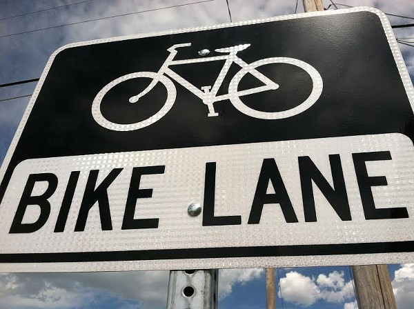 bike-lane-sign-cu.jpg